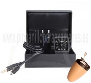 Pinganillo Bluetooth con reloj en caja